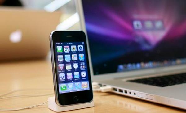 """סמסונג ניצחה את אפל: לא תמכור אייפון ואייפד ישנים בארה""""ב"""