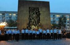 """משלחת המשטרה בביקור במחנה ההשמדה בפולין: """"לעולם לא עוד"""""""
