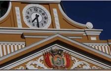 השעון החדש של בוליביה: נגד כיוון השעון/שלמה פפירבלט